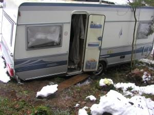Wohnwagen im Schlamm
