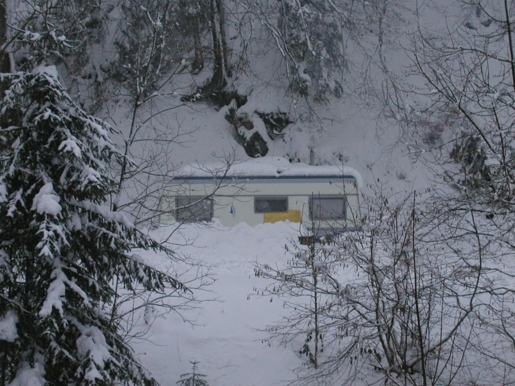 Wohnwagen im Schnee I